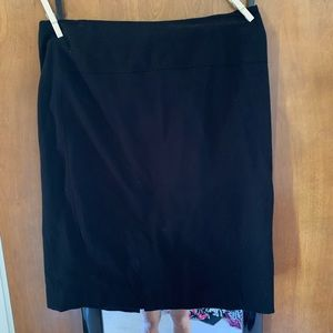 Dana Buchman black mini skirt